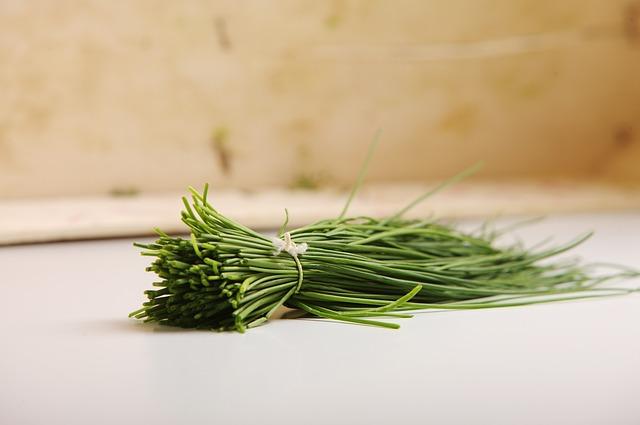 Erba cipollina: La pianta che non deve mancare nell'orto